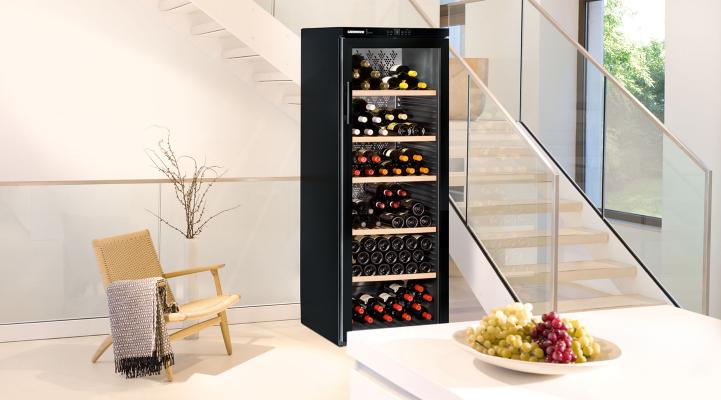 WKb 4212 Vinothek Wine Cabinet