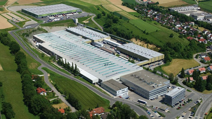 The main Liebherr Hausgeräte plant in Ochsenhausen today, where around 1,900 employees are based.