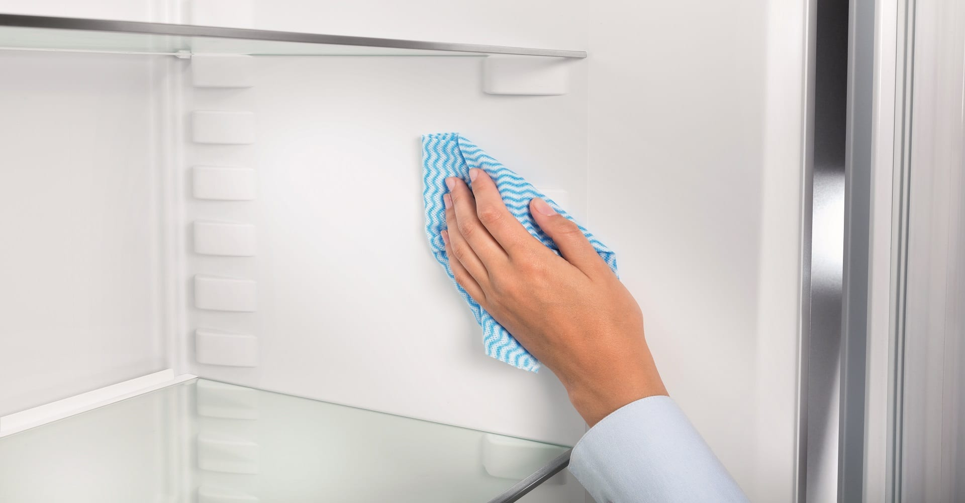 How to get rid of bad smells from your fridge - FreshMAGAZINE