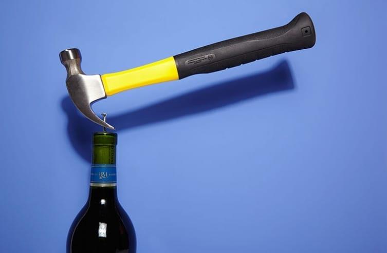 как да отворите бутилка вино без тирбушон