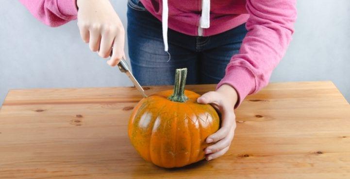 Как да си направим зловещ фенер от тиква за Хелоуин