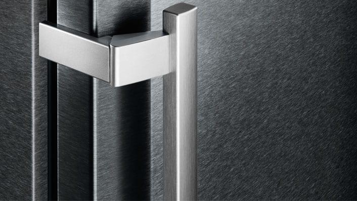 Elegantul finisaj BlackSteel de o calitate excepțională și cu un design exclusivist.