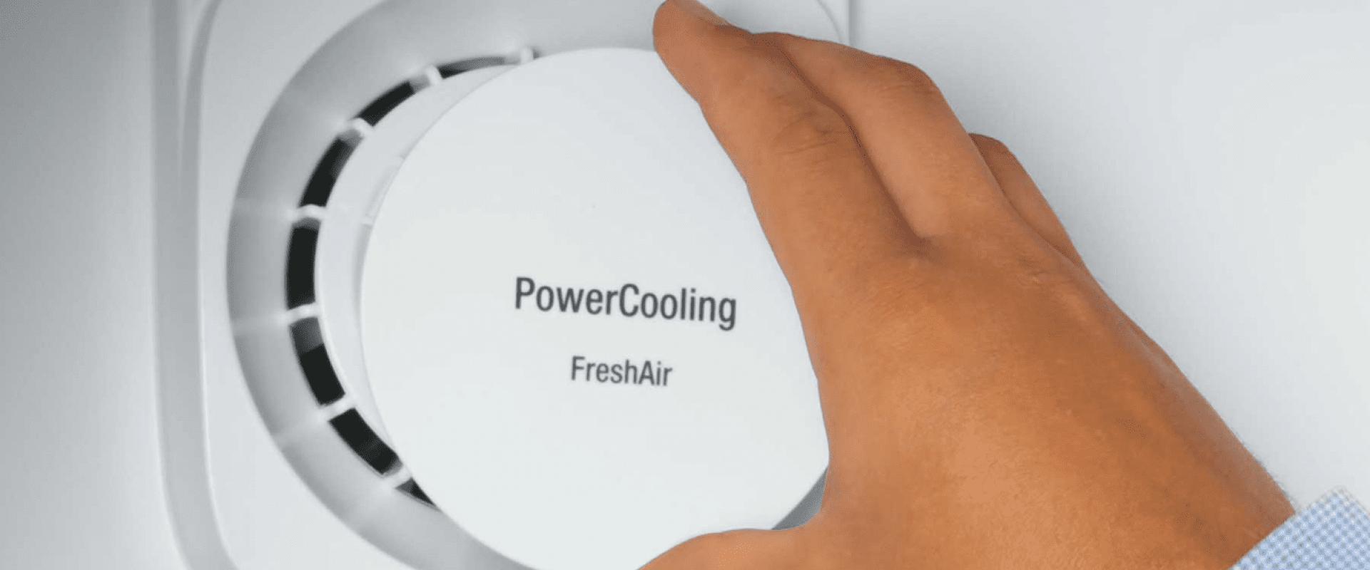 Cum să scapi de mirosurile neplăcute din frigider