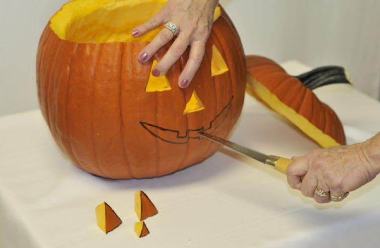 Cómo Vaciar Y Decorar Tu Calabaza De Halloween Freshmag