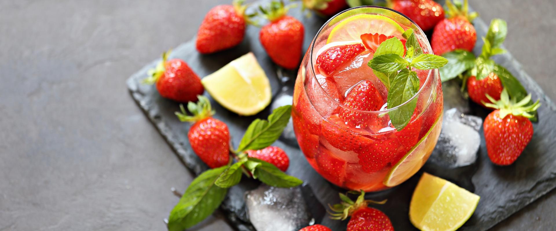 menthe, fraise, citron, boisson detox, frais, voyage, recette, conseil, chez soi, frais