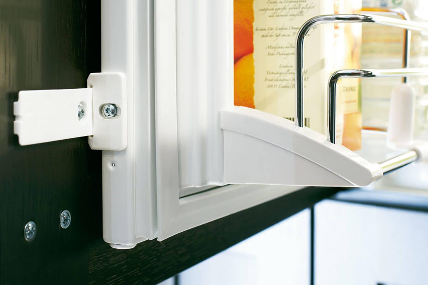 Aeg Kühlschrank Türanschlag Wechseln : Festtür u2013 schlepptür: zwei mögliche einbauarten freshmag liebherr
