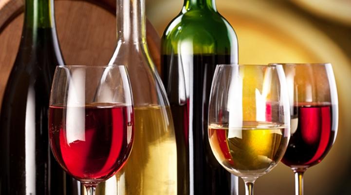 Wein, Essen, Genuss, Sommelier, Weinprobe, Flaschen, Weinflaschen, Weingut