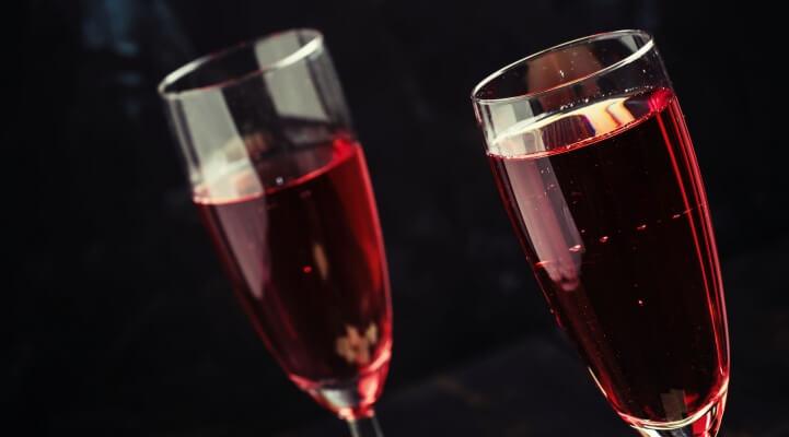 Kir, Kir Royal. Wein, Burgund