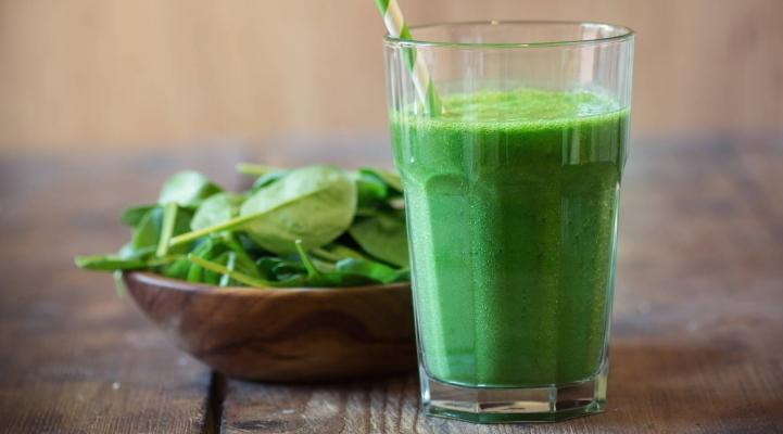 Green Smoothie mit Spinat