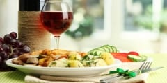 Dinner mit Rotwein