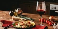 Pasta mit Wein