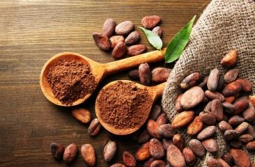 Kakaobohnen und Kakopulver