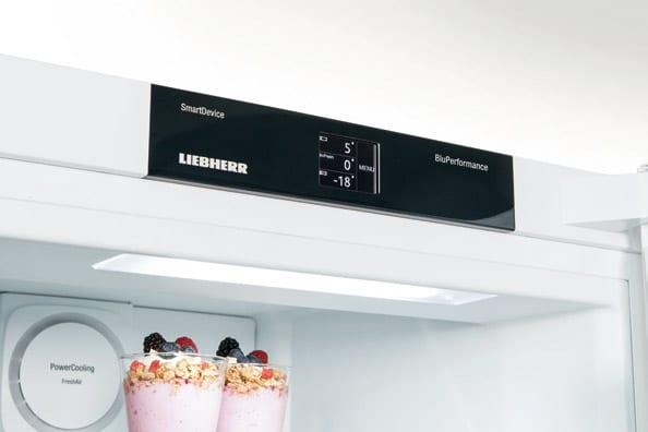 Сенсорное управление холодильника Liebherr BluPerformance комфорт класса