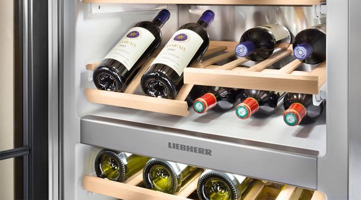 SBSes 8486: twee temperatuurzones voor wijn